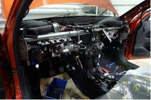 Звукоизоляция и виброизоляция моторного щита (передней панели) автомобиля.