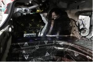 Шумоизоляция багажника автомобиля – преимущества, порядок работ и материалы