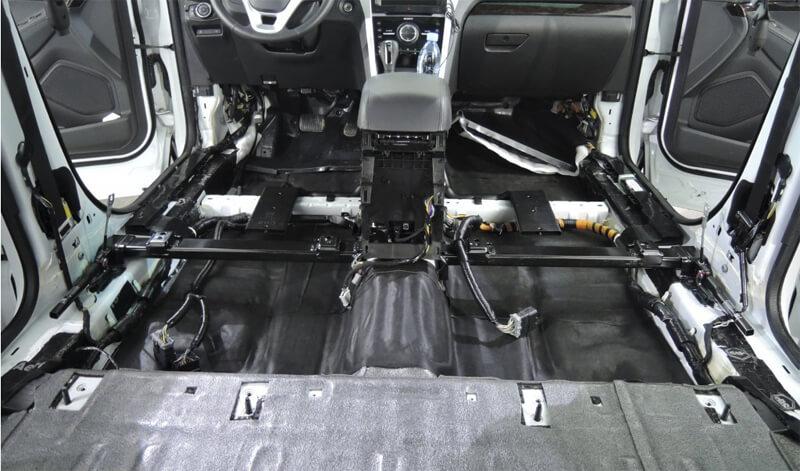 Третий слой - звукоизоляция пола салона и багажника авто