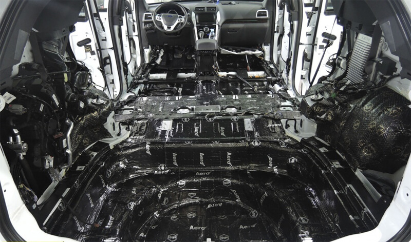 Первый слой – виброизоляция пола салона и багажника авто