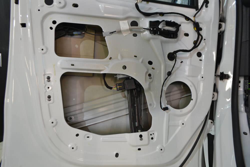 Шумоизоляция дверей под акустику